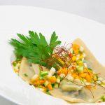 Ravioles de boudin à la poire & bouillon de légumes d'hiver