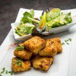 Presskopf panné à la poudre de noisettes Salade fraîcheur vinaigrette aux agrumes