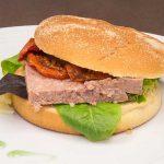 «Le burger de campagne» , pain brioché et son steak froid de terrine de campagne